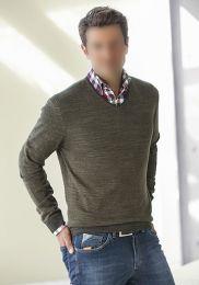 He. V-Pullover